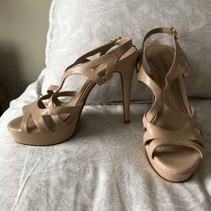 Gianni Bini nude strap heels
